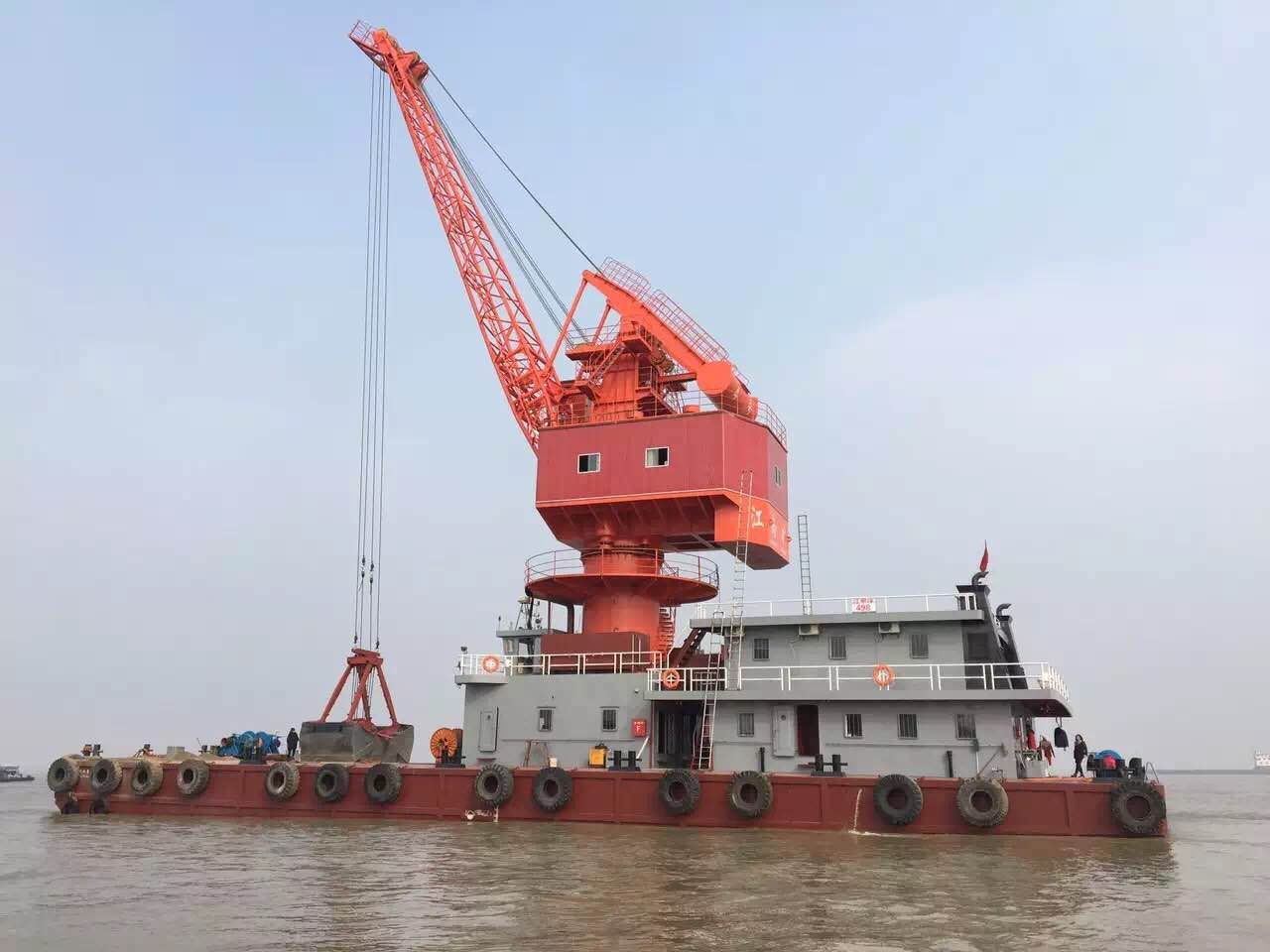 Floating Crane For sale or chartering.